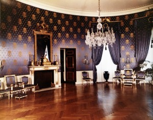Blue_Room_at_the_White_House,_Post-Renovation-07-15-1952